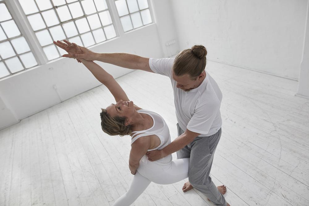 Hands-On: Yoga Hilfestellungen & Adjustments (20 Std.)