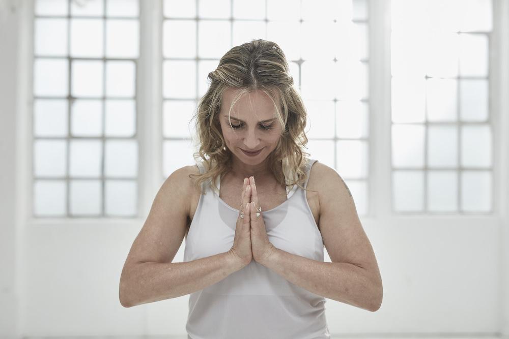 Wie richte ich einen Meditationsraum ein?