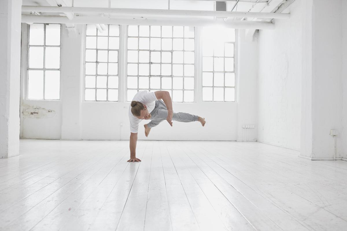 Armbalancen als therapeutische Übungspraxis mit Dirk