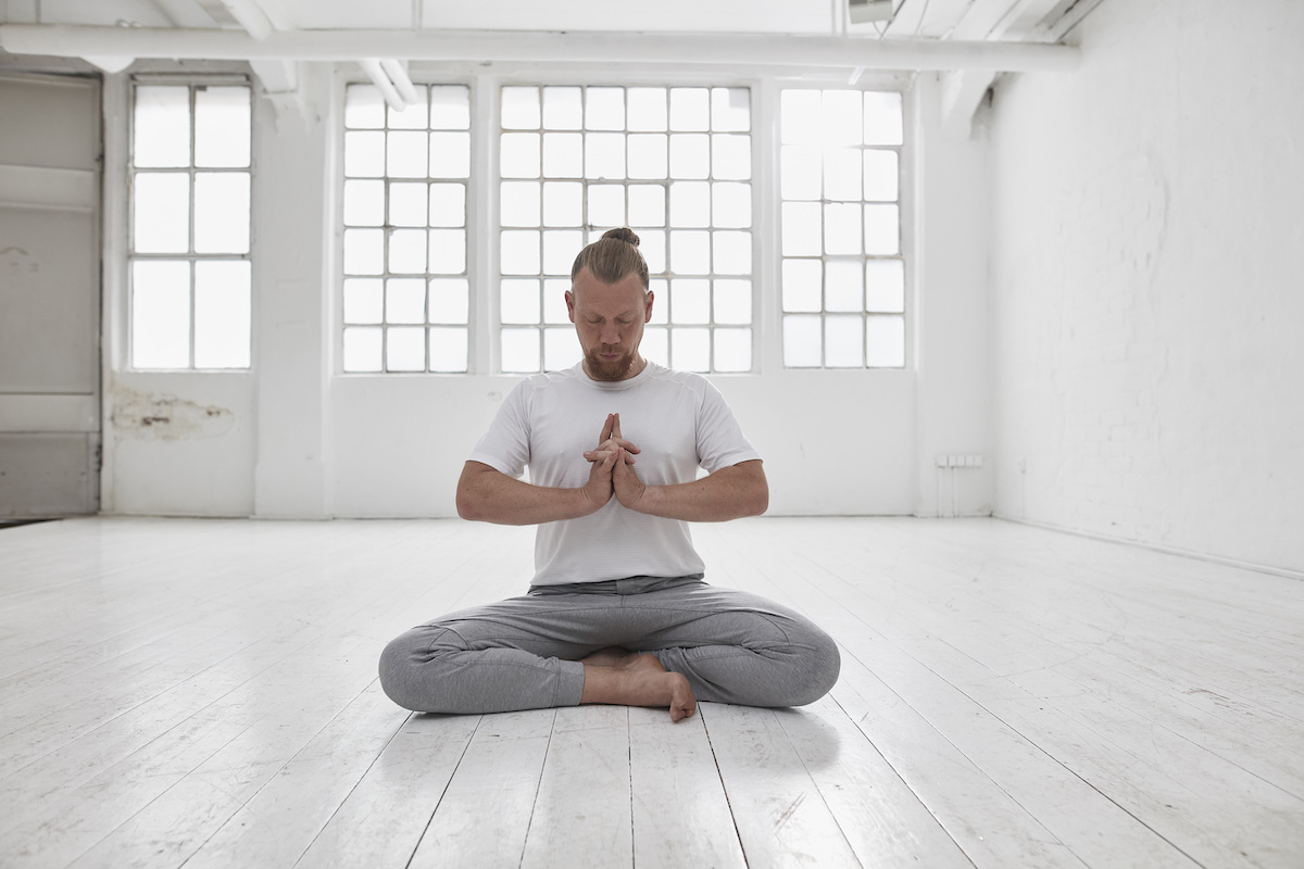 Members Only: The Yoga Journey – Sonic, Sound & Lightshow Experience mit Dirk