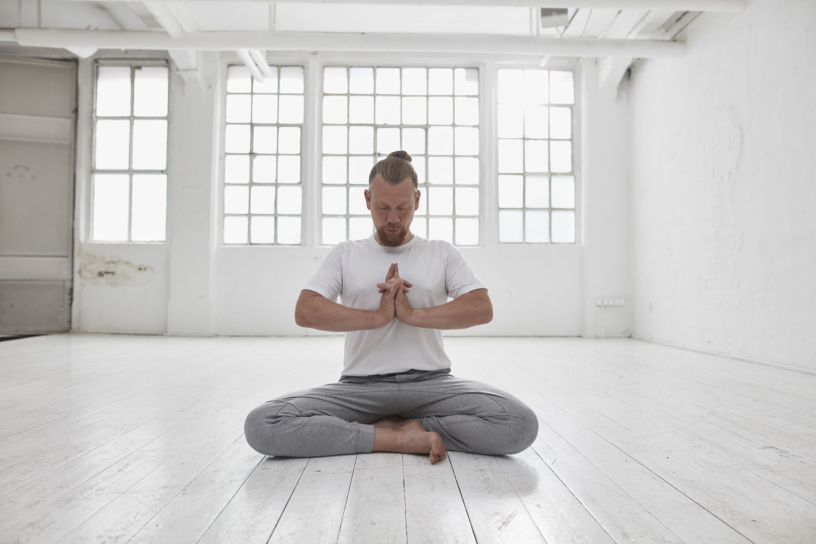 Basis Meditations-Teacher-Training (15 Std. Yoga Alliance) mit Dirk Bennewitz